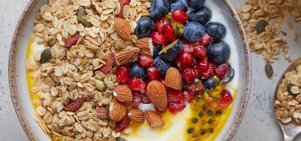 HOME-MADE GOJI GRANOLA