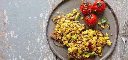 SCRAMBLED TOFU, RED ONION 